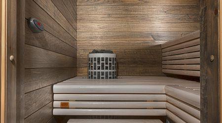 Lauteissa valkoinen saunasuoja