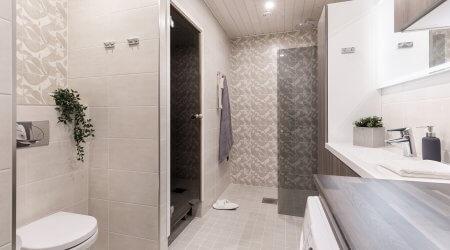 Kylpyhuone uusittuna